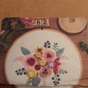 Embroidery Craft Kit, floral, NWT
